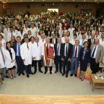 Tıp Fakültesi Öğrencileri Beyaz Önlüklerini Giydi