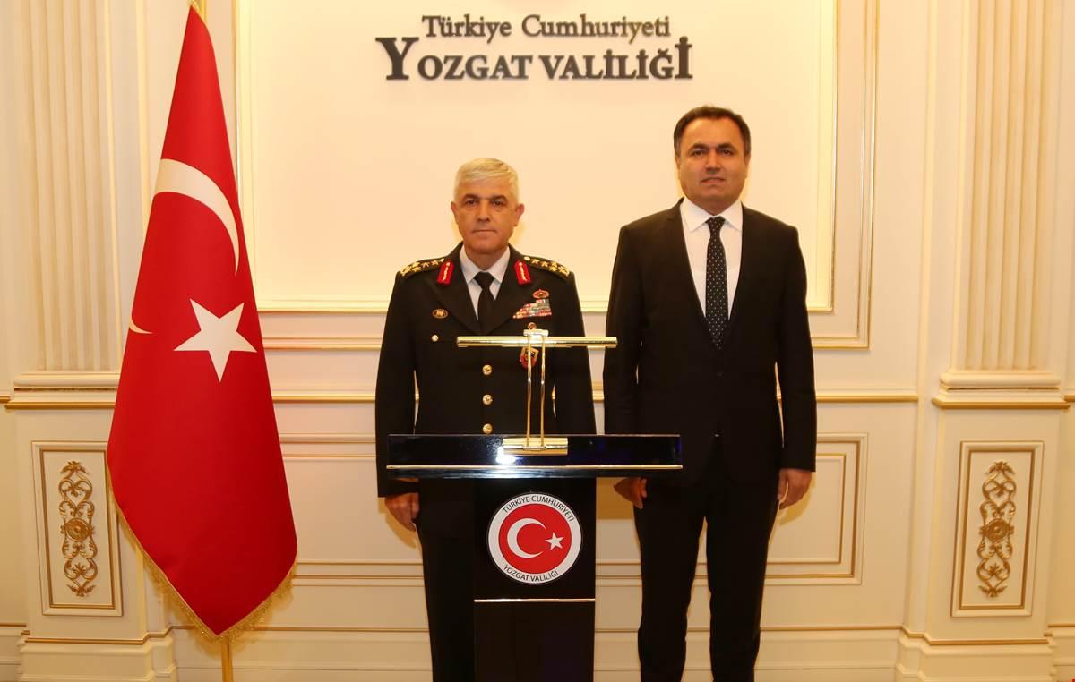 Orgeneral Çetin, Yozgat'ta Ziyarette Bulundu
