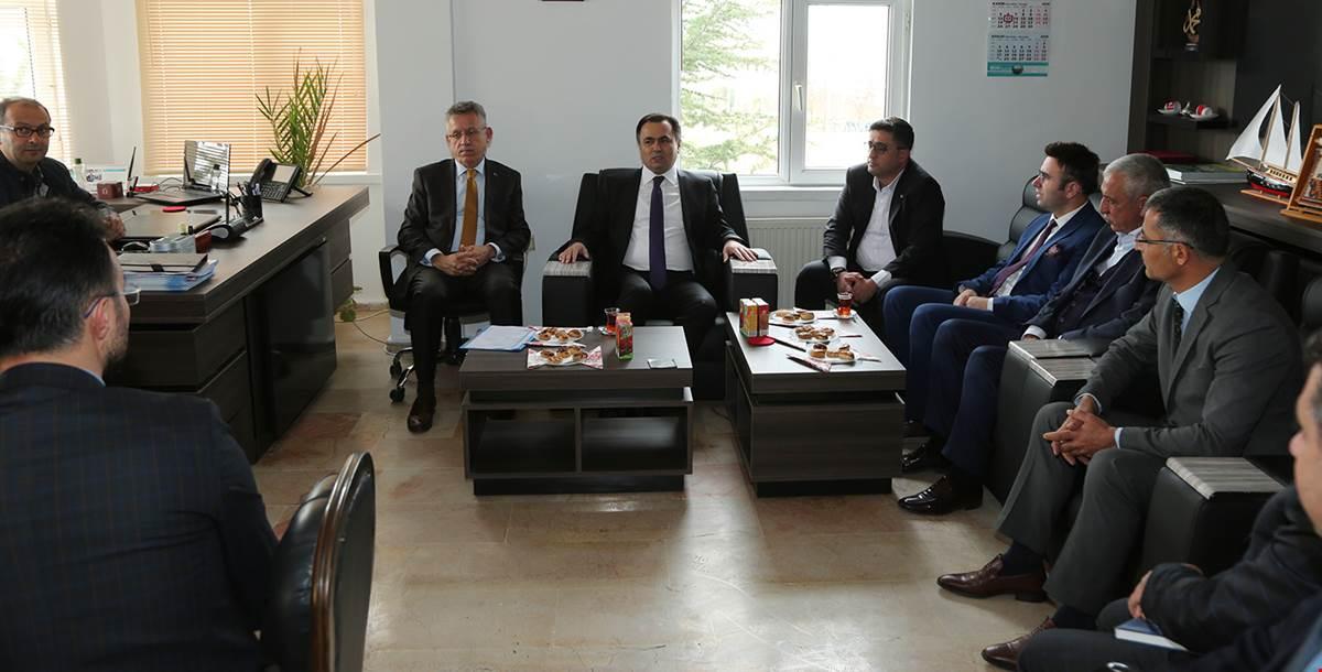 Vali Çakır OSB'de Yatırımcılarla Bir Araya Geldi