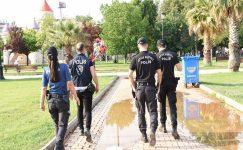 POLİS HEM SOKAKTA HEM DE MASA BAŞINDA GÜVEN VERİYOR